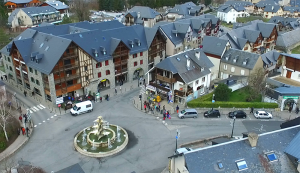 video-drone-pyrenees-village-saint-lary